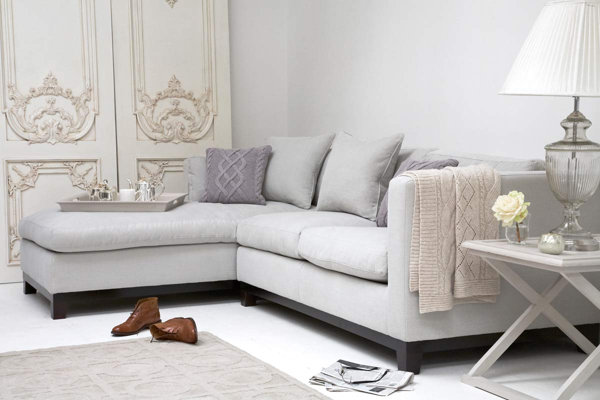https://www.sweetpeaandwillow.com/media//udu/page_items/montague_l_chaise_sofa_mont.jpg